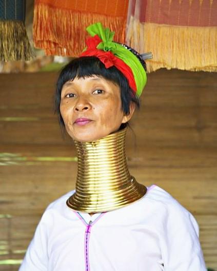 Femme girafe Padaung